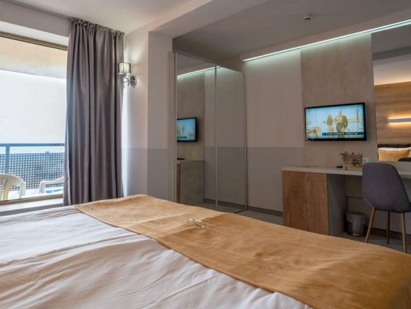 Sea view room Havana