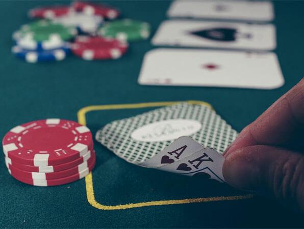 Ultimate Texas Hold'em Poker