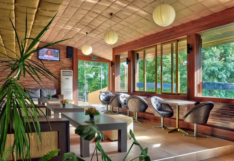 Lobby bar at Hotel Havana