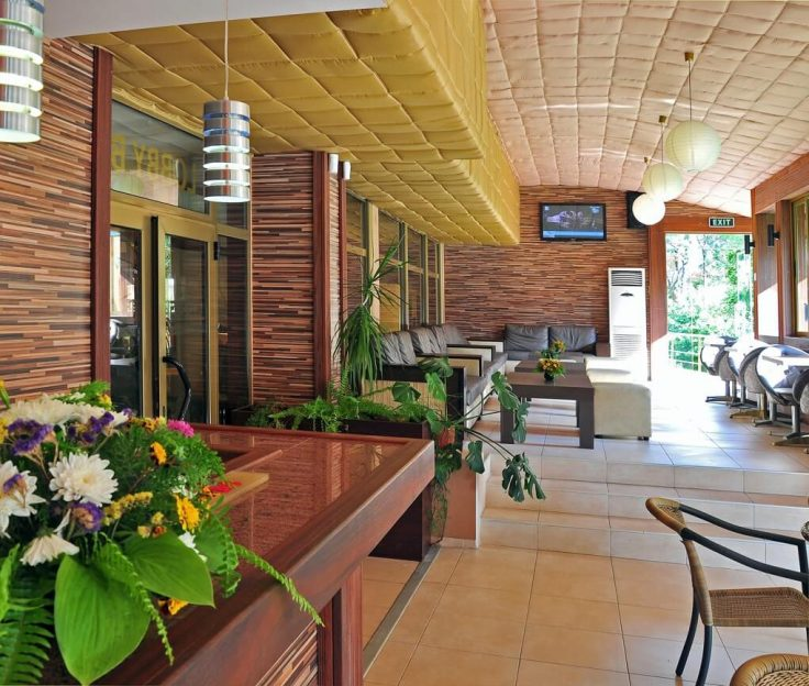 Лоби бар в Хотел Хавана